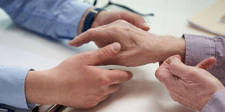Romatolojik Hastalığı Olanlar Pandemi Döneminde İlaçlarını Bırakmamalı